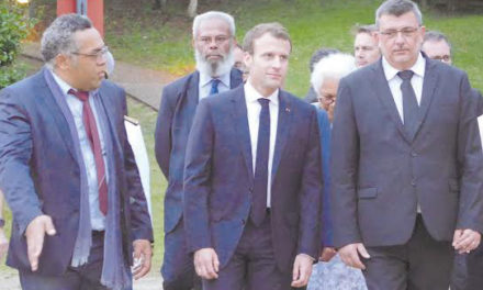 New Caledonia: Former government president proposes a new society model