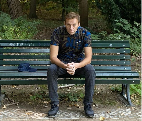 Alexei Navalny blames Vladimir Putin for poisoning him