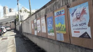 180,598 New Caledonians are called to vote for this second referendum of self-determination. Election posters near the cathedral of Nouméa, capital city of New Caledonia.