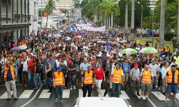 Christmas truce for demonstrators in New Caledonia